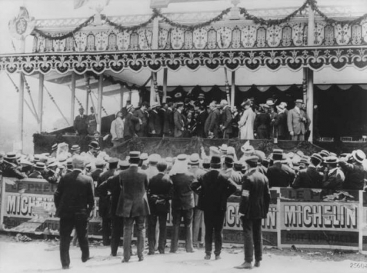 1906_French_Grand_Prix_victory_ceremony
